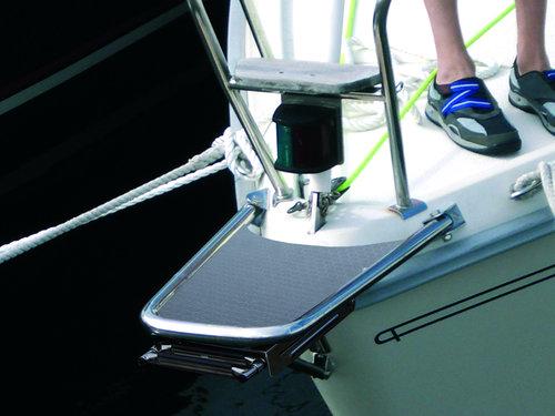 Båtsystem - Bugplattform mit fester Leiter